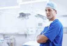 Ile zarabia kardiochirurg w Polsce?
