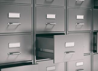 Meble metalowe do firmy – czym kierować się przy zakupie?